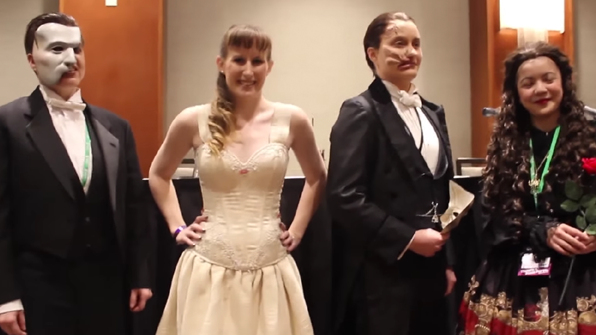 """Phantom of the Opera"" cosplayers at BroadwayCon 2016"