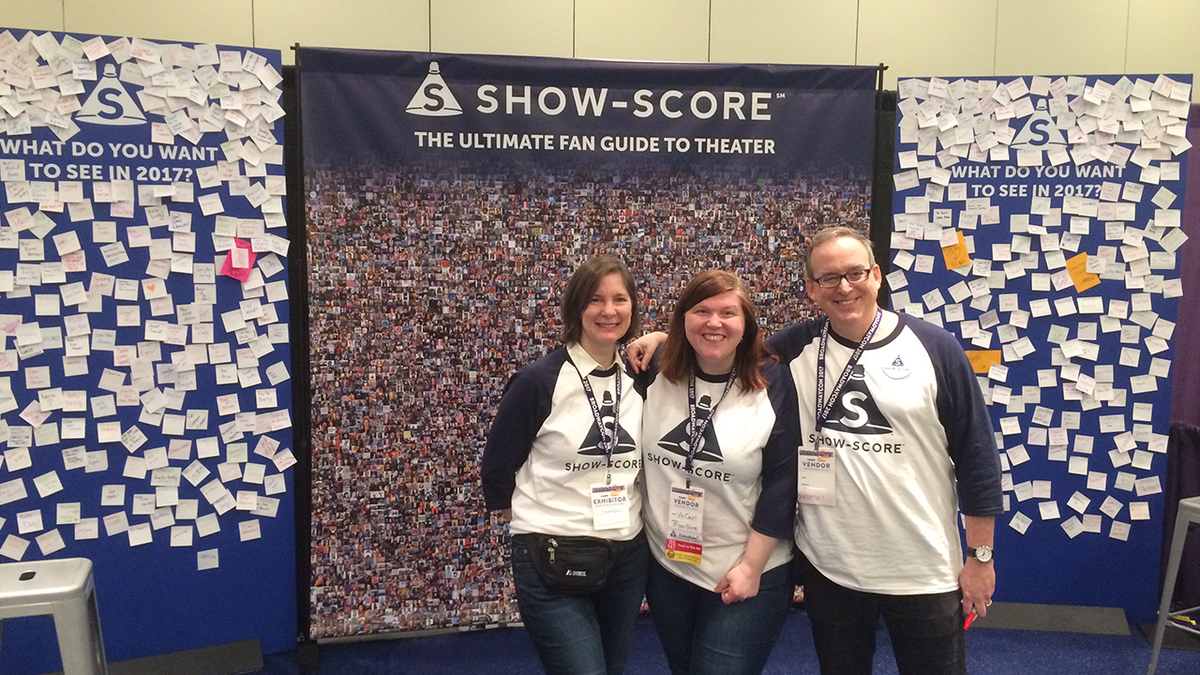 Team Show-Score at the booth!