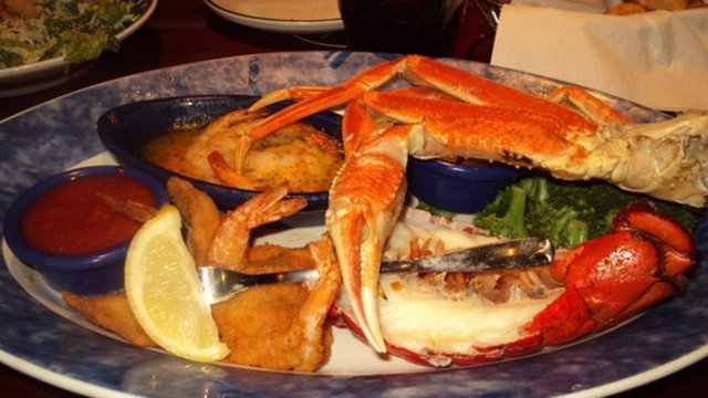 Red Lobster (Seafood $$-$$$)