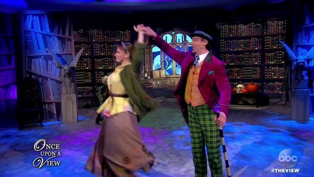 The Cast Of 'Charlie And The Chocolate Factory' Performs - Charlie and The Chocolate Factory