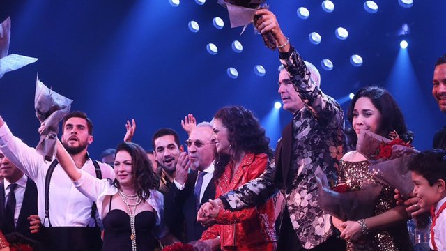 'On Your Feet!' Broadway Opening: Gloria Estefan Gets Emotional - On Your Feet!