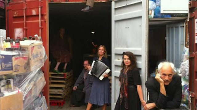 'Makbet' is Shakespeare in a shipping container | Brooklyn Daily Eagle - Makbet