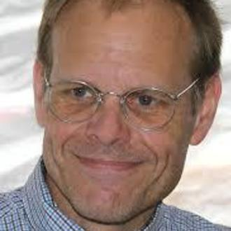Alton Brown: Playwright in Alton Brown Live: Eat Your Science