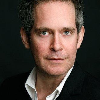 Tom Hollander: Henry Carr in Travesties