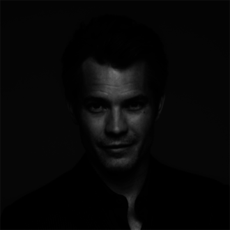 Timothy Olyphant: Strings McCrane in Hold on to Me Darling